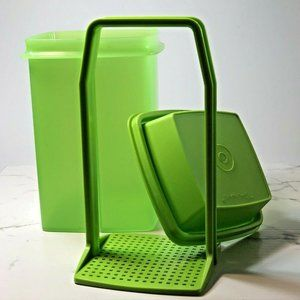 Tupperware Green Olive Pickle Keeper Lifter